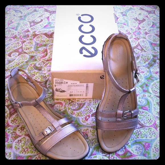 15c1b6c5066706 Ecco Shoes - Ecco Groove Sandal in Pewter Size 11—11.5